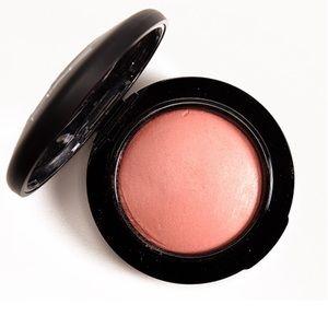 MAC mineralized blush NEW ROMANCE 💕